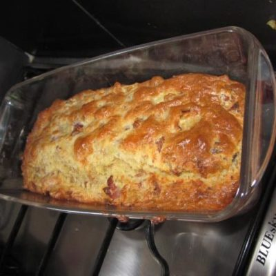 Recette cake au thon, jambon et oignon