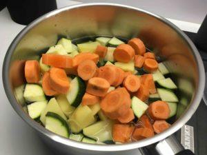 Recette-soupe-de-carottes-et-courgettes