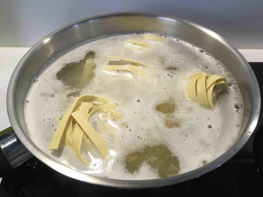 Recette-tagliatelles-aux-pointes-d-asperges