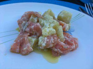 Recette-salade-de-pommes-de-terre-et-de-saumon